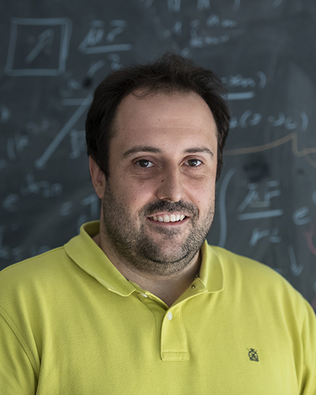 Antonio-Isaac-Fernandez-Dominguez-Becas-Leonardo-Ciencias-Basicas-2019