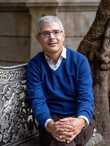 IgnacioLagoPeñaBeca-Leonardo-Economia-2020-427×576