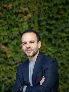 Luigi-Pascali-Beca-Leonardo-Economia-2020-427×576