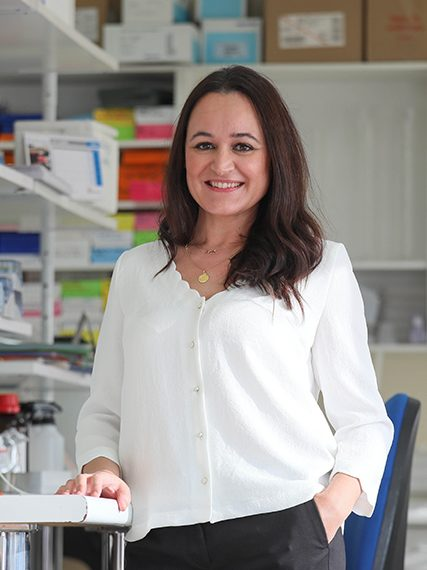 Maria-Dolores Sanchez Niño- Beca-Leonardo-2020-Biomedicina-427×576